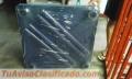 Mesa cuadrada plástica azul marino