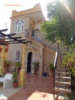 En Cuba La Habana Casa En Miramar De 4 4 4 Banos Garaje 3 Ter