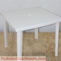 Mesa con Sillas de Plástico para Exteriores