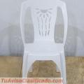 mesa-con-sillas-de-plastico-para-exteriores-4.jpg