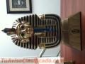2-estatuas-de-tutankamon-1-en-bronce-ud-60-otra-pequena-de-porcelana-ud-30-4.JPG