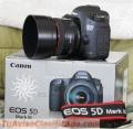 Canon EOS 5D Mark III con lente EF 24-105 mm IS