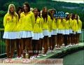 trajes-para-anfitrionas-10-09-18-2.jpg