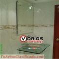 Instalación de espejos flotantes y biselados