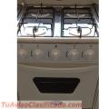 Vendo estufa nueva con in año de garantia en 120 a credito y 100 de contado 1 año de garnt